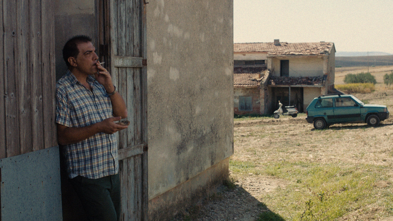 Gli ultimi a vederli vivere, The Last to See Them), Feature 80′, Cinematographer: Katharina Schelling, Director: Sara Summa, Production: German Film and Television Academy, 1:1,85 2K Arri Amira + Zeiss Ultra Prime Lenses, Berlinale Sektion Forum 2019, www.katharinaschelling.com